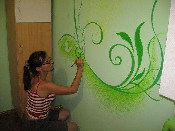 Покрасить стены своими руками